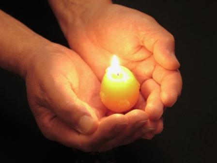 Candleinhand